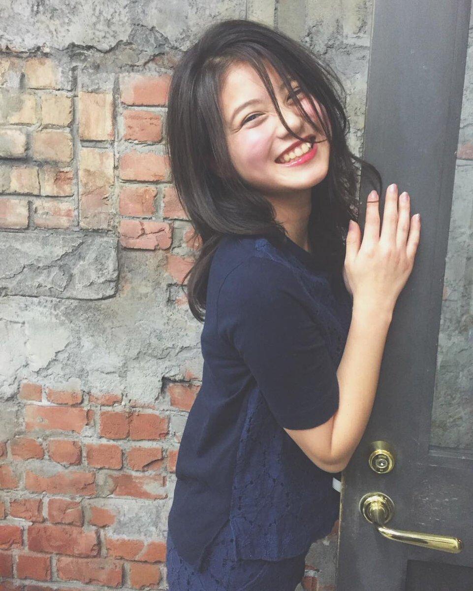 今田美桜の髪型。リボンが可愛い