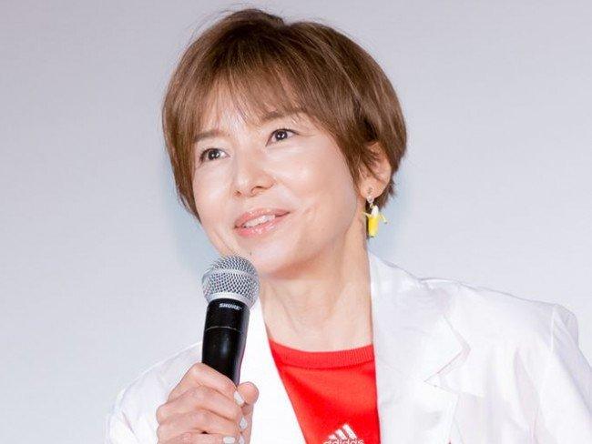 山口智子の衣装「監察医 朝顔」